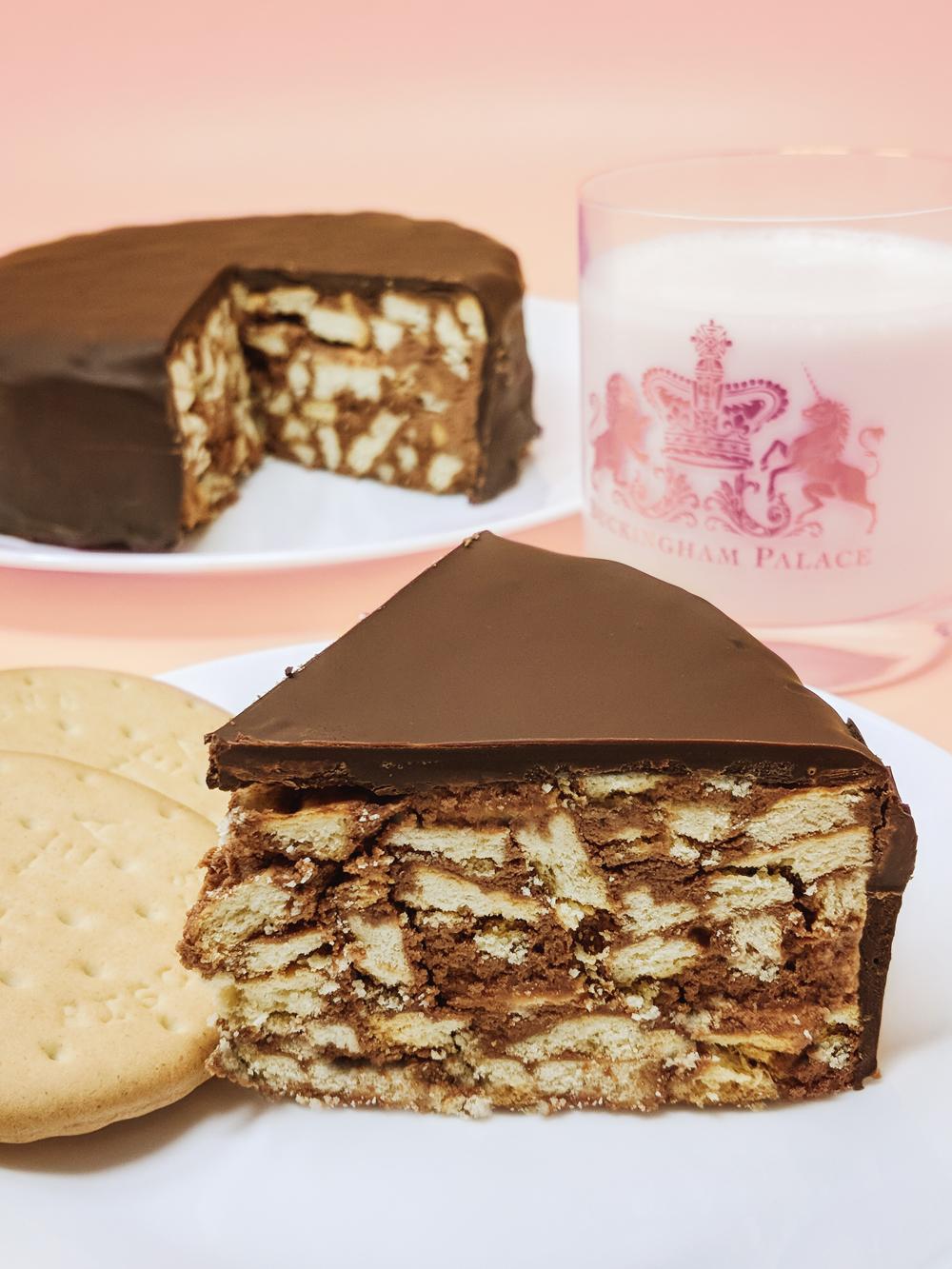 Queen Elizabeth S Favorite Cake Made Vegan Somethingsosam